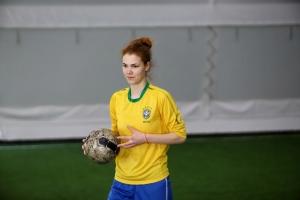 Контрольный матч по футболу среди женских команд