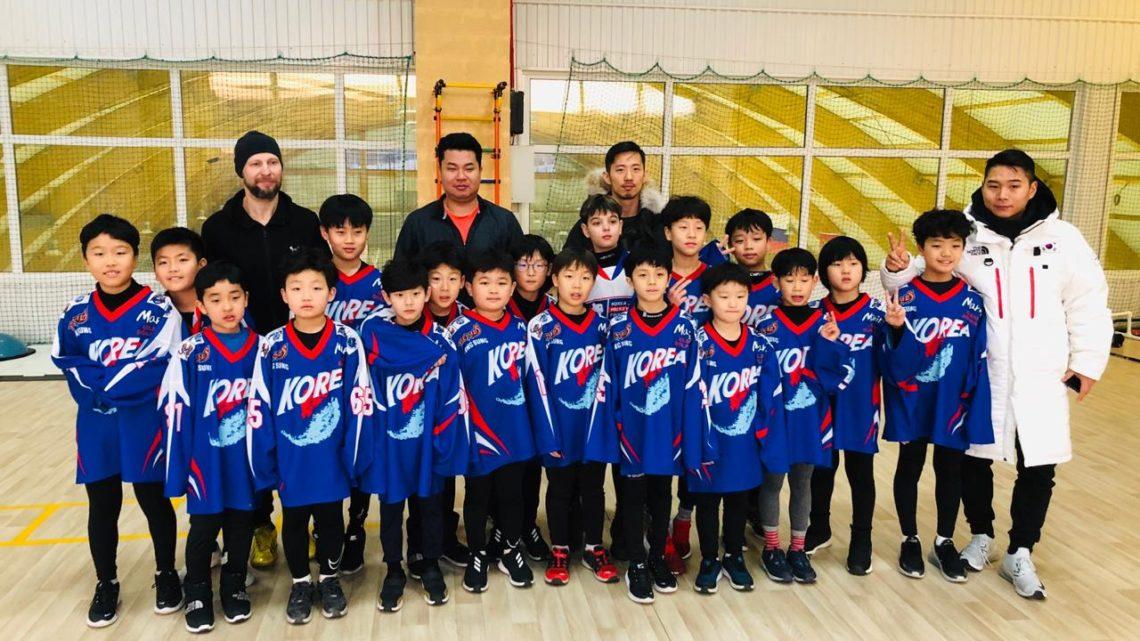 Юные хоккеисты из Кореи в гостях в спортивном клубе «Полюс»