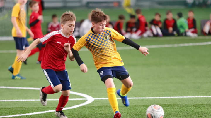 Международный турнир по футболу стартовал в футбольном манеже «Тигр»