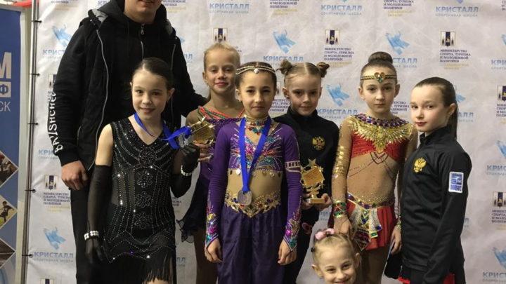 Фигуристы «Полюса» вернулись из Южно-Сахалинска с медалями
