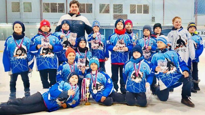 Две команды «Полюса» стали призерами краевого турнира по хоккею